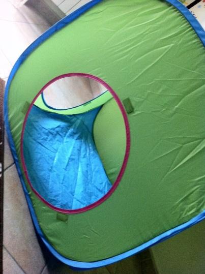 Piccola tenda/casetta con oblo