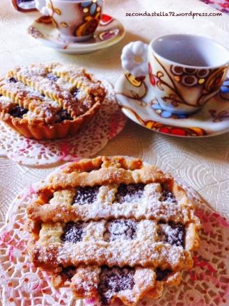 Crostatine e caffè