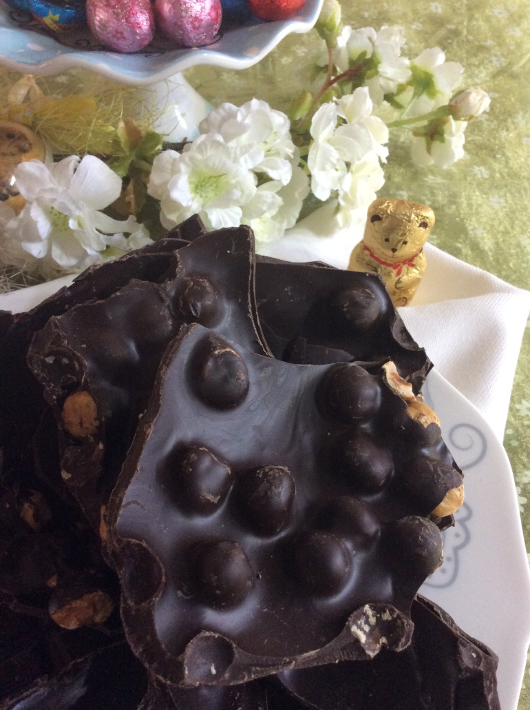 Cioccolato fondente alla nocciola